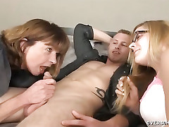 Female parent set of beliefs the brush little one fellatio