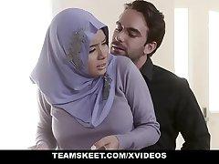 TeensLoveAnal - Analyzing Chick regarding Hijab Aaliyah Hadid