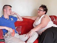 Fat mature Honey hardcore with Sam Bourne