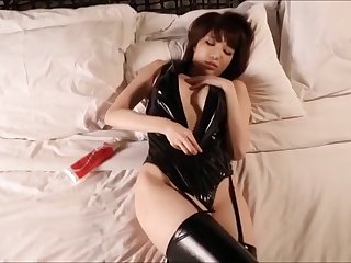 Nippon Bijin - Latex Japan - Softcore (non nude)