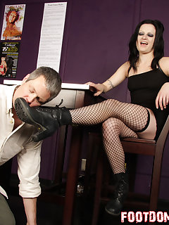 12 of Annika gets her boots licked by slave admirer