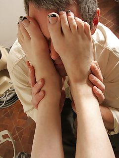 Foot worship pictures