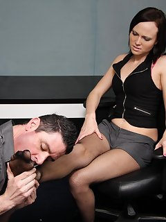 <!–-IMAGE_COUNT-–> of Maggie enjoys a relaxing foot massage and worship in office