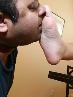 <!–-IMAGE_COUNT-–> of Man licked bare feet
